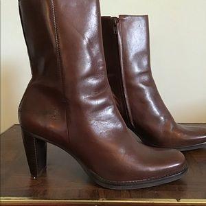 Gianni Bini Anna chocolate brown low boot